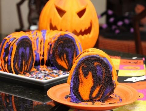 Outro bolo com as cores de Halloween e ainda mais fácil de fazer
