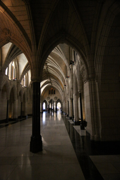 Os corredores do Parlamento Canadense são assim