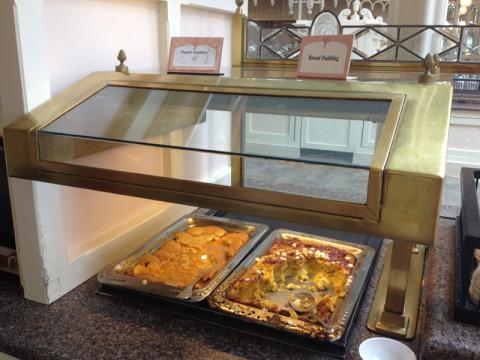 Sobremesas tradicionais Cobbler e Bread Pudding