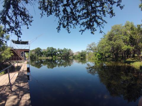 O lago e a casinha onde fica o equipamento de segurança pro zipline, começa tudo por ali