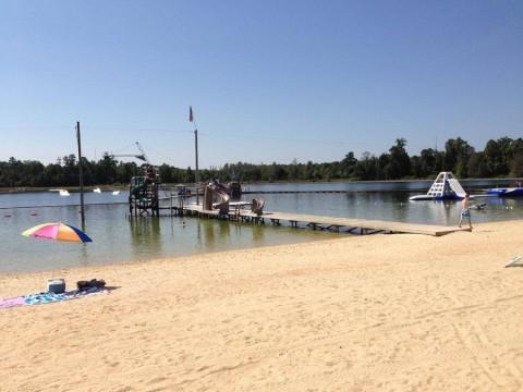 """""""Praia' e parque cheio de atraçoes para adultos e crianças"""