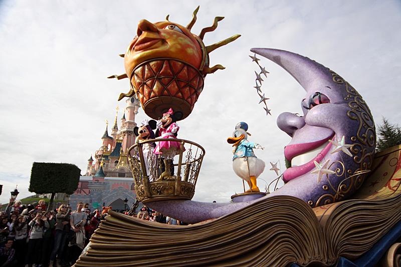 O Mickey fala francês na Disneyland Paris