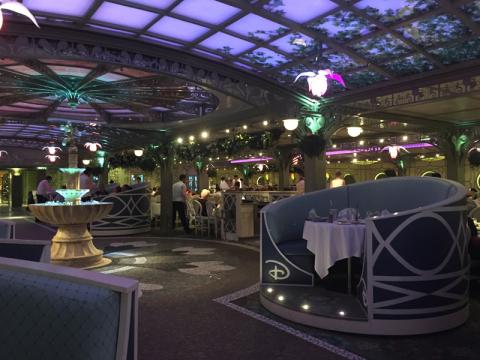 Enchanted Garden, restaurante inspirado nos Jardins de Versalhes