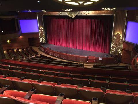 O teatro no Disney Dream, não pode fotografar durante os shows. Foto: Lu Misura