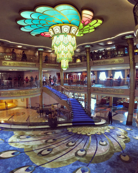 O lobby do Disney Fantasy: imponente!