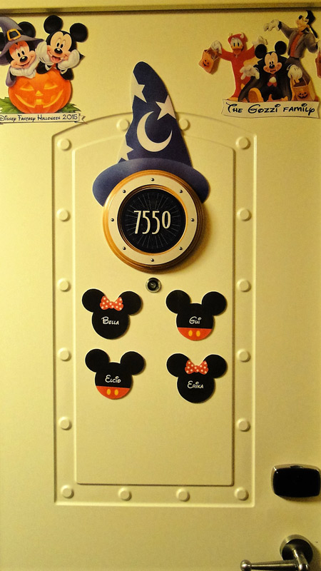 Nossa porta da cabine no Disney Fantasy