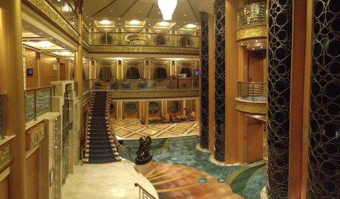 O lobby do Disney Magic