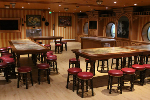 O almoço ou jantar do clube são servidos aqui