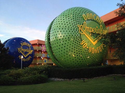 Ioiôs gigantes no Disney's Pop Century Resort