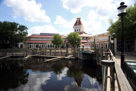 Disney Port Orleans Riverside, prédio principal onde fica o lobby, restaurante, loja, bar.