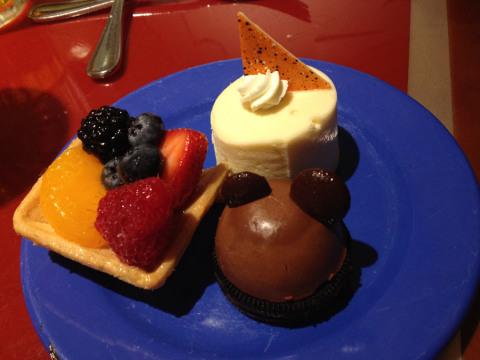 Meu pratinho de doces no Chef Mickey's