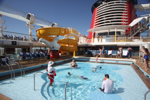 Piscina do Mickey no Disney Dream