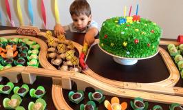 Festa de trens de 3 anos do Eric