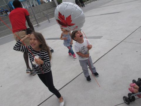 Dá pra ver como o Eric adorou o balão né