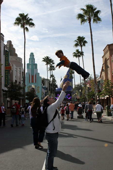 Eric voando no Disney Hollywood Studios