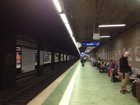 Esperando o trem para Frankfurt