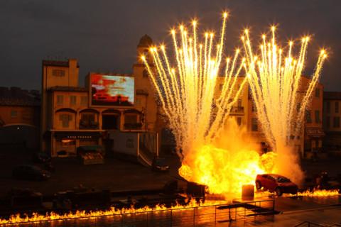 Explodindo tudo no Extreme Stunt Show
