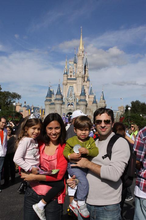 Foto de família no Magic Kingdom, no dia 25 de dezembro