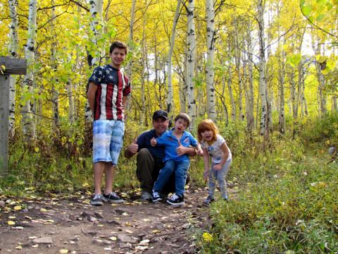 Família na Alpine Loop