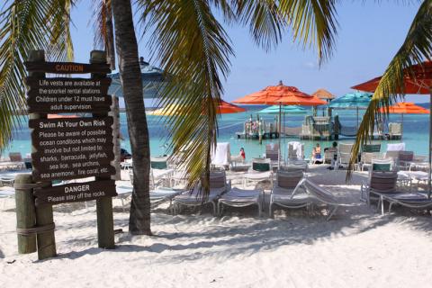 Primeira praia de família em Castaway Cay