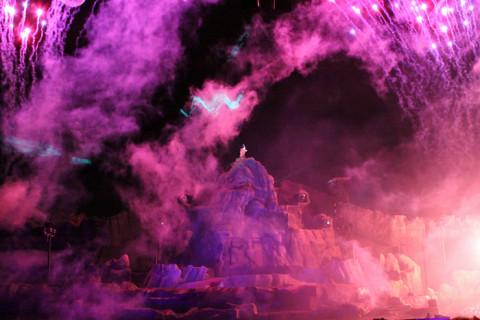 Mickey em ação durante o Fantasmic!