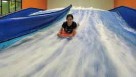 Surf indoor em Orlando no Fantasy Surf