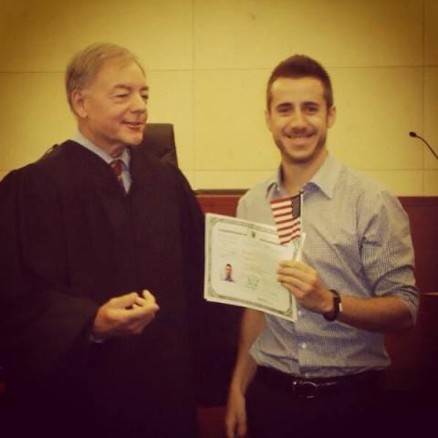 Fernando na cerimônia de cidadania