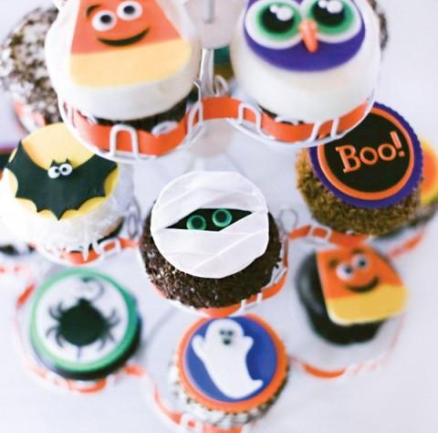 Festa de Halloween infantil, cupcakes fofos