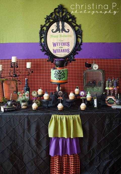 Festa de Halloween Little Witches, nas cores clássicas