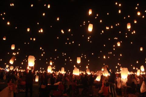 As luzes subindo, momento mágico.  Foto:  Claudia Beatriz