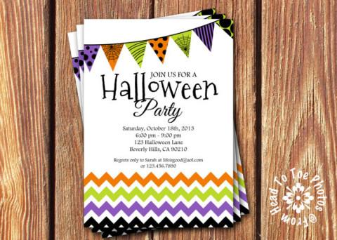 Chevron (zig-zag) e bandeirinhas nas cores de Halloween nesse convite moderno