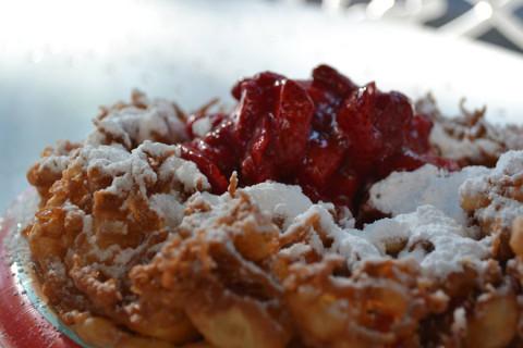 Funnel Cake com morango, foto da Renata Costivelle