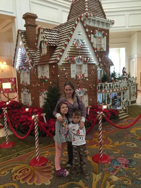 Visitando a casinha de gengibre especial pro Natal no Grand Floridian