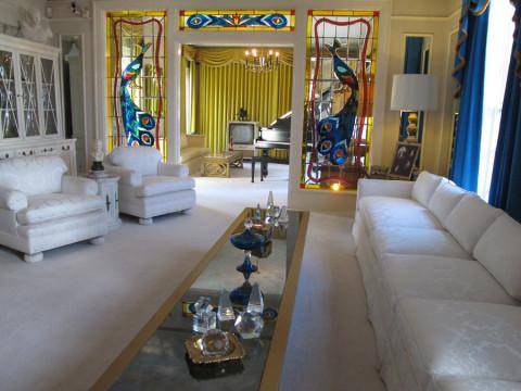 A sala de Graceland, onde Elvis recebia suas visitas