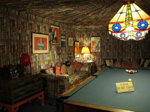 Mais um ângulo da sala de bilhar em Graceland