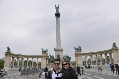 Visitando a Heroes' Square