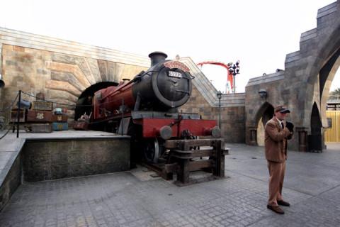 Hogwarts Express, todo mundo para pra tirar uma foto com o trem famoso