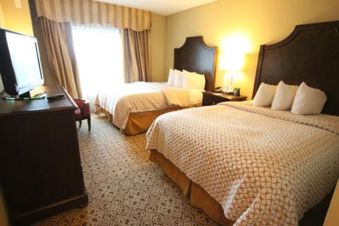 Nosso quarto na suite do hotel Embassy Suites San Antonio