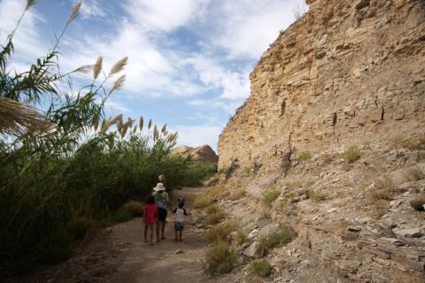 Na área histórica das Hot Springs, tem pinturas rupestres nestas pedras