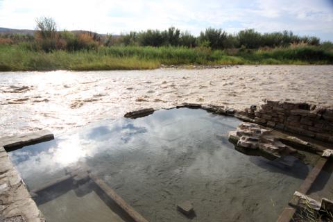 Hot Springs: a nascente de água quente fica na beira do Rio Grande