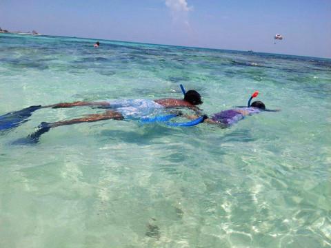Snorkeling na praia em frente ao Iberostar
