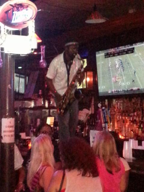 Show de jazz em um dos bares da cidade