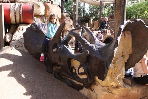 Julia adorou os fósseis