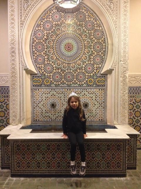 Julia no Marrocos, depois do nosso jantar no Marrakesh