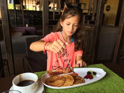 Julia adorou a comida preparada especialmente para ela