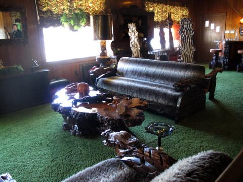 Mais um pedacinho do Jungle Room, que era o preferido da família
