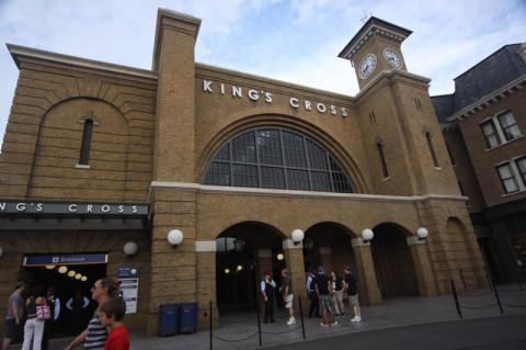 Estação King's Cross, pra pegar o Hogwarts Express