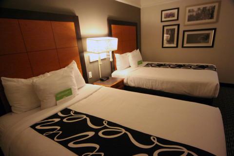 Nosso quarto no hotel La Quinta Inn em Birmingham, Alabama