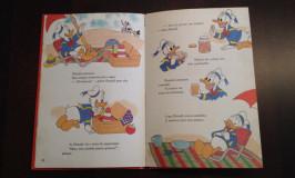 Leitura bilíngue: Julia começou a ler em português