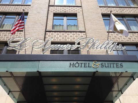Fachada do hotel Le Square Phillips em Montréal